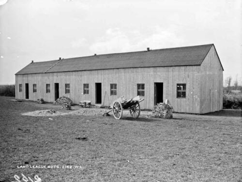 land-league-huts
