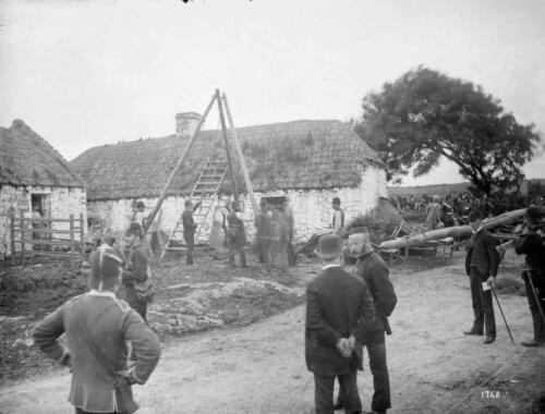 mathias-magraths-house-moyasta-coclare-with-the-battering-ram-in-front